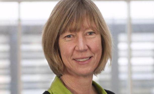 """Oxfamin apulaisjohtaja Penny Lawrence sanoi, että skandaali tapahtui """"hänen vahdillaan"""" ja hän eroaa."""