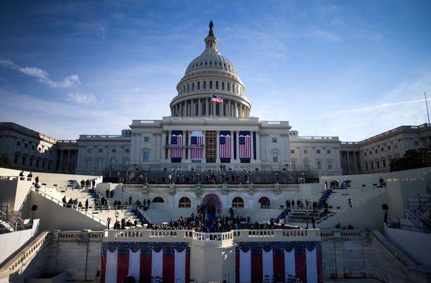 Virkaanastujaisia harjoitellaan Capitol-kukkulalla.