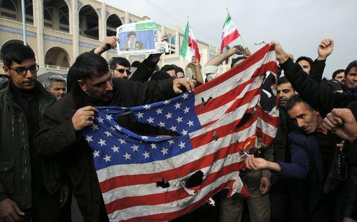 Näkökulma: Ruutitynnyri on sytytetty USA:n ja Iranin välillä - sota voi levitä koko Lähi-itään ja vaikutukset ulottua maailmaan