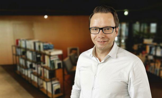 Remedyn toimitusjohtaja Tero Virtala suitsuttaa suomalaista pelisuunnittelua.