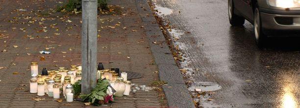 TURMAPAIKKA Nuoren miehen elämä päättyi yliajoon Pieksämäen keskustassa.