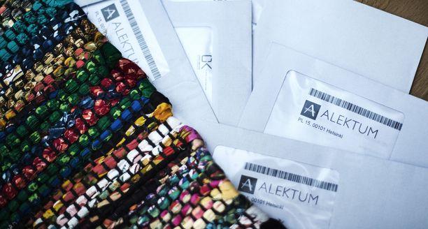 Alusvaatteita, partateriä, sekä erilaisia terveys- ja laihdutustuotteita verkossa ja puhelimitse kaupanneet firmat siirsivät laskujen perinnän Alektum Oy:lle.