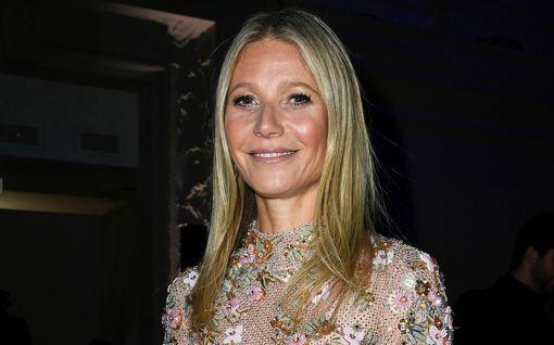 """Gwyneth Paltrow, 47, julkaisi harvinaisen kuvan lapsistaan – fanit hämmästelevät: """"Näytät yhtä nuorelta kuin he"""""""