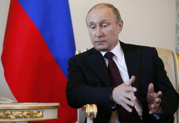 Putin astui eilen julkisuuteen ensimmäisen kerran sitten maaliskuun 5. päivän.