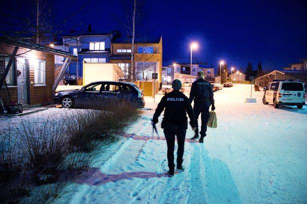 Poliisi on hankkinut Tampereella Tesoman kaupunginosassa sadoilta ihmisiltä dna-näytteitä.