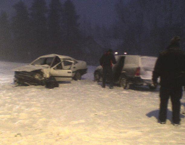 Kempeleellä sattui kolmen auton kolari huonon näkyvyyden edesauttamana.