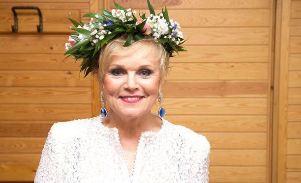 Presidentti toivoo Katri Helenan saapuvan itsenäisyyspäivän juhliin.