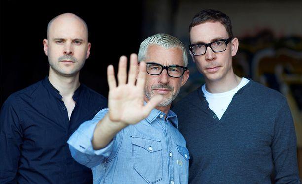 Above & Beyond -yhtyeen jäsenet ovat: Jono Grant,Tony McGuinness ja suomalainen Paavo Siljamäki (oik.).