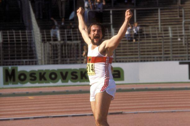 Länsi-Saksaa edustanut Michael Wessing oli 1970-luvun loppupuolella maailman kärkiheittäjiä.