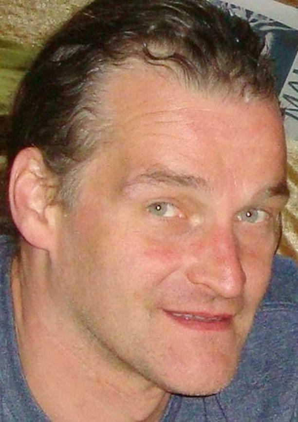 Poliisi epäilee puistosta löydetyn ruumiin olevan Arnis Zalkalns.