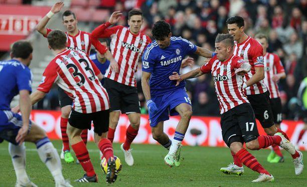 Southampton puolusti Chelsea-kärki Diego Costan tehottomaksi.