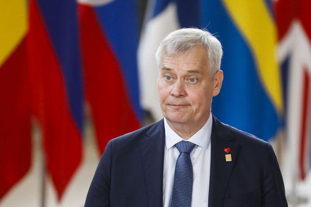 Pääministeri Antti Rinne (sd) ei onnistunut vakuuttamaan eurooppalaisia kollegoitaan suomalaisehdokkaiden paremmuudesta Euroopan keskuspankin pääjohtajan pestiin.