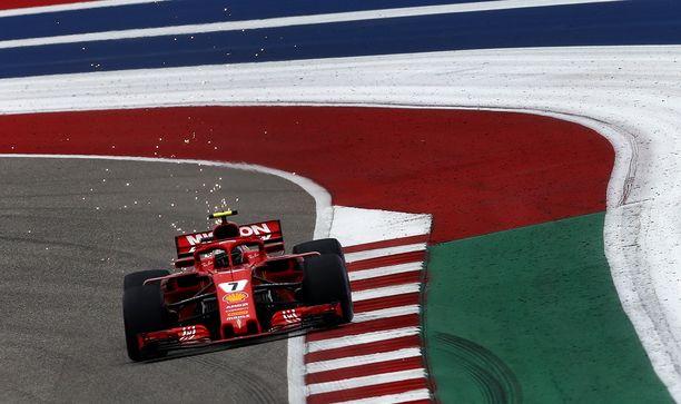 Kimi Räikkönen pääsi Yhdysvaltain aika-ajossa kakkosruutuun.
