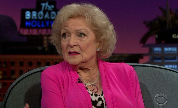 Betty White on tehnyt mittavan uran lukuisissa elokuvissa ja sarjoissa. Nainen ottaa rooleja vastaan edelleen.