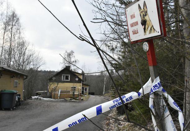 Elinkautisvanki Raimo Andersson löydettiin surmattuna vaimonsa omistamasta talosta viime lauantaina.