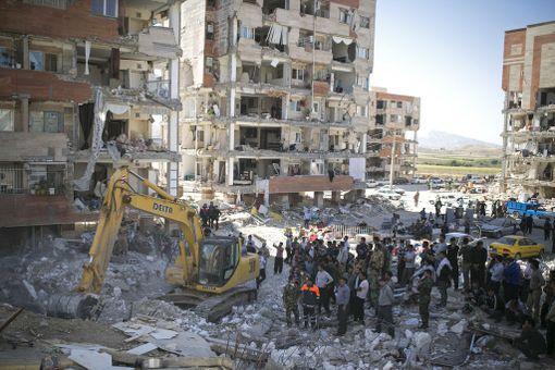 Useat rakennukset kärsivät mittavia tuhoja.