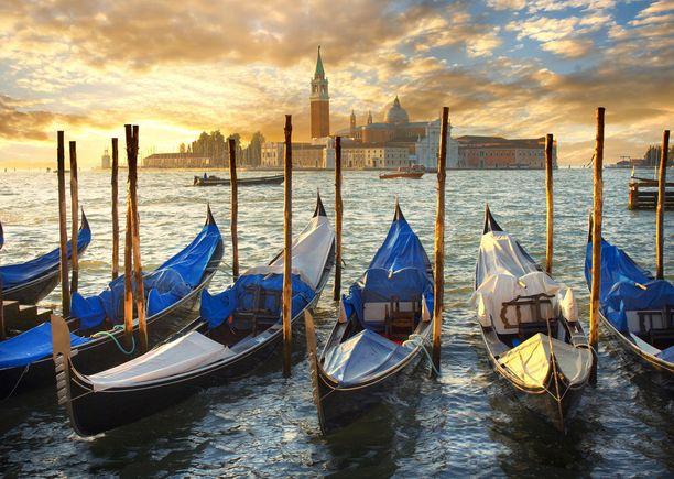 Venetsia vajoaa, ja kärsii myös tulvista.