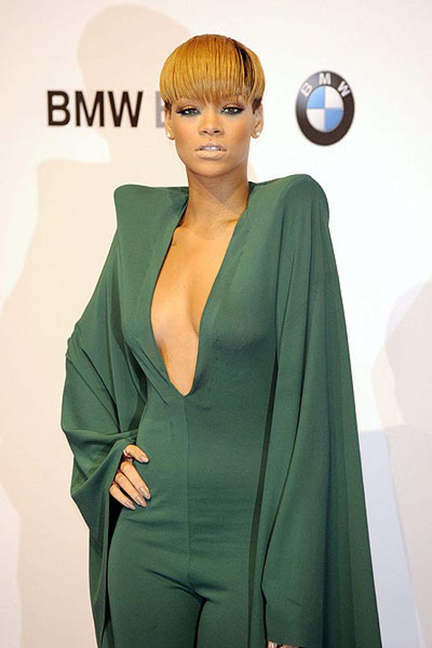 Rihanna musta pillua