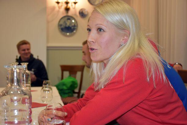 Kaisa Mäkäräinen sijoittui toiseksi torstaina Hochfilzenissa.