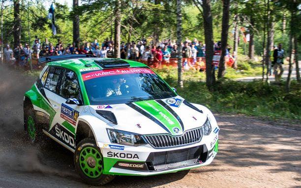 Kalle Rovanperä kilpailee Jyväskylässä Skoda Fabian puikoissa.