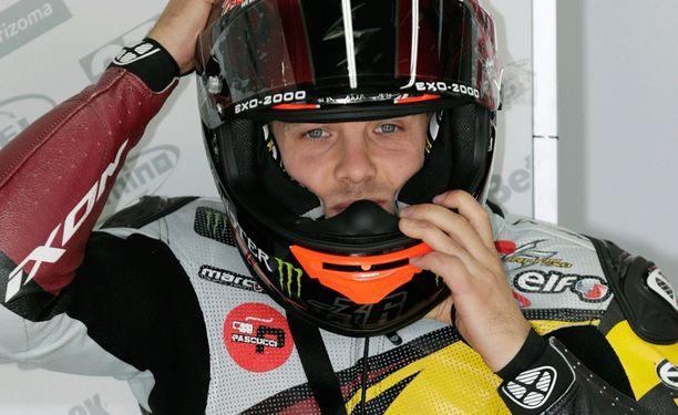 Mika Kallio joutui taipumaan tallikaverilleen Esteve Rabatille.