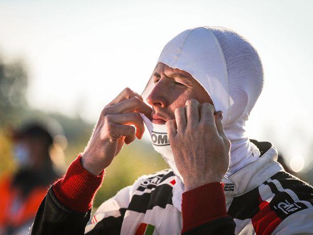 Elfyn Evans johtaa rallin MM-sarjaa, kun kaksi kisaa on enää ajamatta.