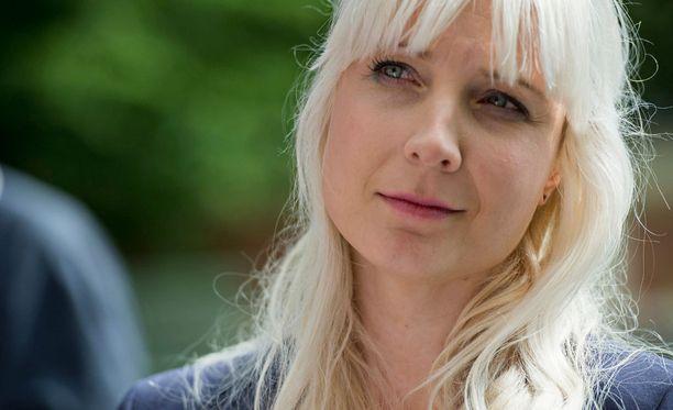 Laura Huhtasaari voitti varapuheenjohtajavaalin äänin 781-450.