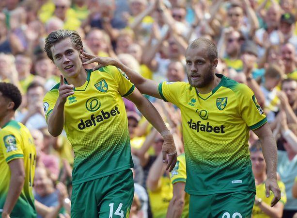 Todd Cantwell ja Teemu Pukki ovat Norwichin hyökkäyksen syömähampaat.