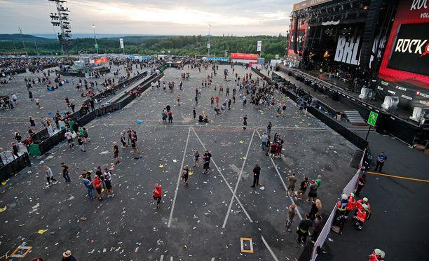 Tuhansia ihmisiä evakuoitiin rockfestivaalista Saksassa.