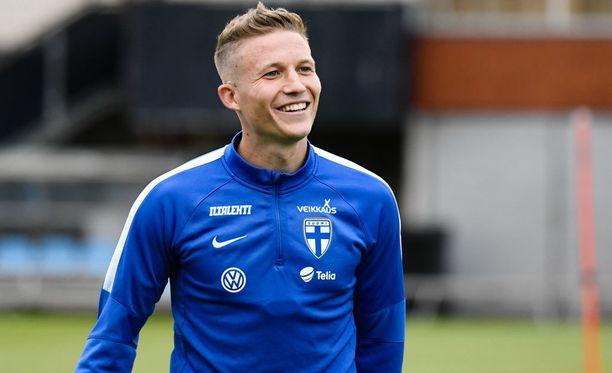 Alexander Ring valmistautuu lauantain MM-karsintaotteluun Islantia vastaan.