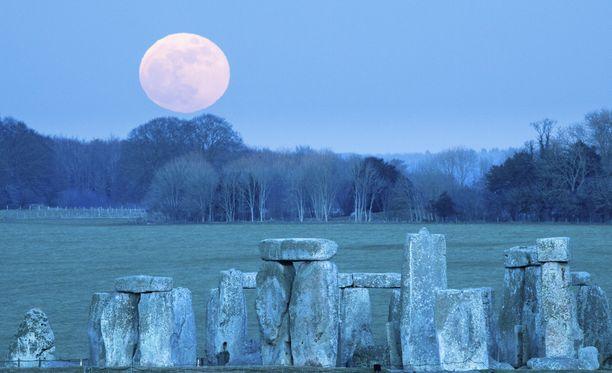 Kuumaisema Stonehengessä Englannissa.