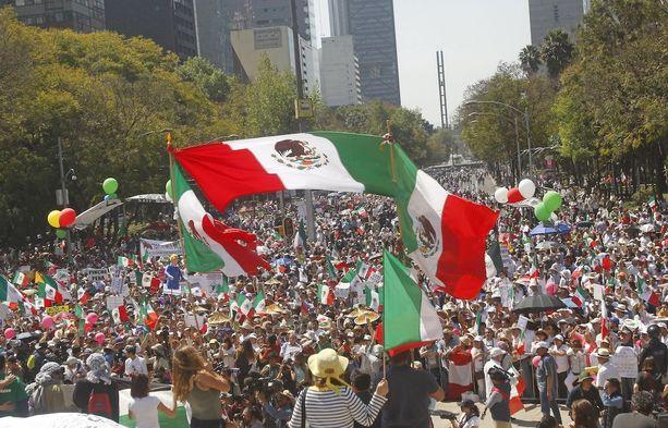 Meksikon pääkaupungissa on järjestetty mielenosoituksia Donald Trumpin politiikkaa vastaan.