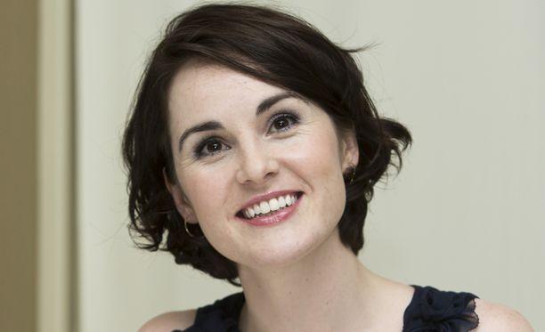 Michelle Dockery hyppää jälleen Lady Mary Crawleyn pikkukenkiin.