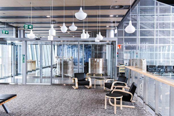 Uusien tilojen sisustuksessa näkyy suomalainen design.
