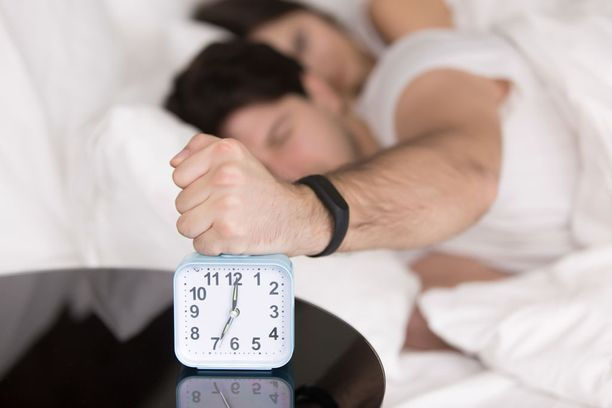 Tutkijoiden mukaan ihminen voi säätää hieman sisäistä kelloaan, mutta silläkin on rajansa. Joillekin muuttuminen aamuihmiseksi on yksinkertaisesti mahdotonta.