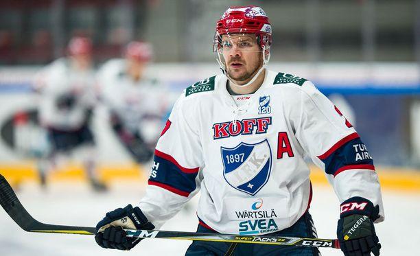 Juha-Pekka Haataja ajettiin ulos Mikkelissä.
