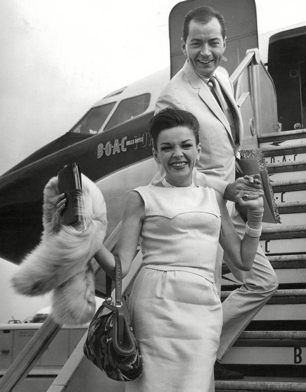 Judy Garland: Tällainen hänen traaginen elämänsä oikeasti oli
