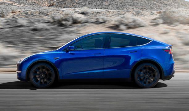 Uusiin Tesloihin on luvassa nykyistä nopeampi lataus ja pidempi toimintamatka uuden akkuteknologian ansiosta. Kuvassa Tesla Y.