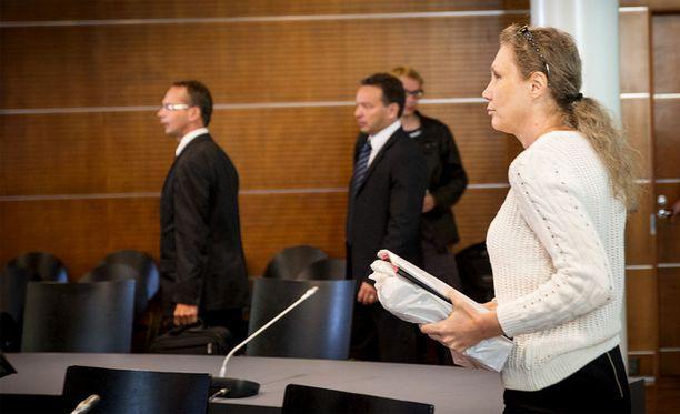 Surmatun Jukka S. Lahden siskoa on määrä kuulla oikeudessa.