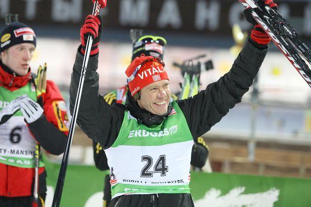 Halvard Hanevold teki pitkän uran ampumahiihdossa. Kuva vuodelta 2010 maailmancupin kilpailusta.