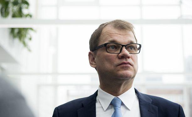 Juha Sipilän mukaan uudistus kannattaa tehdä ja valinnanvapaus kannattaa toteuttaa.