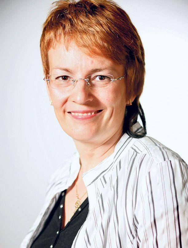 – Suomalaiset ovat lukijakansaa, jolle sivistykseen liittyy kirjallisuus, kirjailija Paula Havaste sanoo.