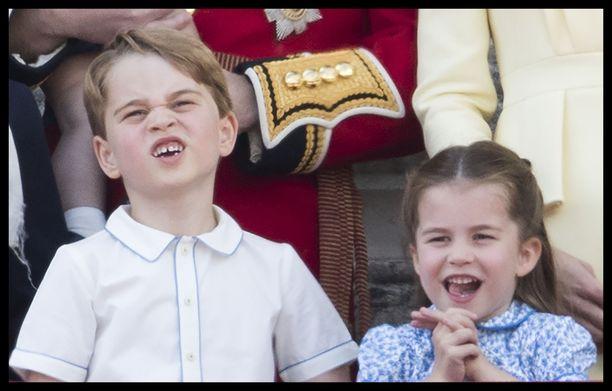 Prinssi George ja prinsessa Charlotte ilmeilivät kuningatar Elisabetin syntymäpäivillä.