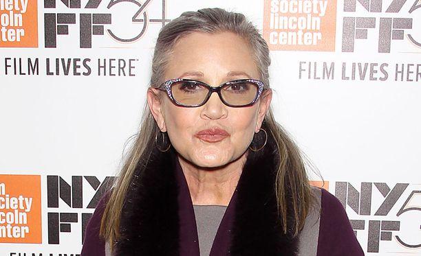 Carrie Fisher sai sairauskohtauksen lennolla, eikä enää toipunut.