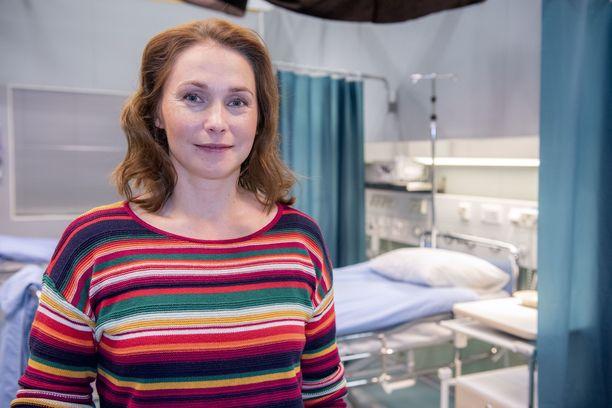 Uudella kaudella keskiössä on Leena Pöystin näyttelevän lääkärikandin Johannan tarina.