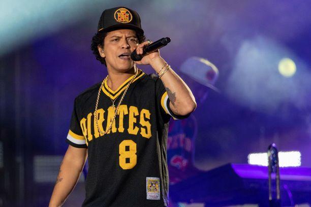 Bruno Mars tuottaa Disneylle uuden elokuvan, jossa myös näyttelee.