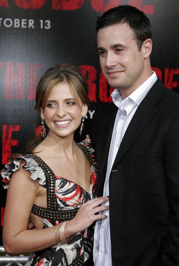 Freddie Prinze Jr. ja Sarah Michelle Gellar Los Angelesissa vuonna 2000.