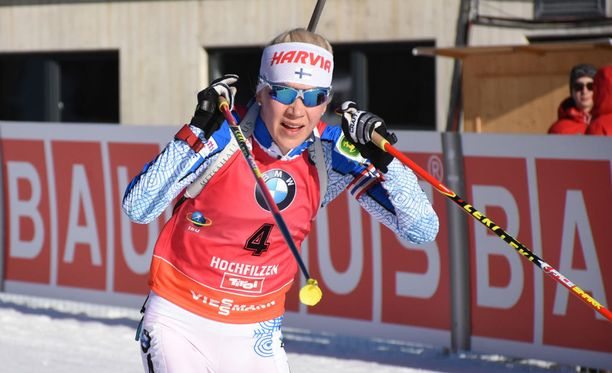 Kaisa Mäkäräinen kilpailee sunnuntaina naisten takaa-ajossa.