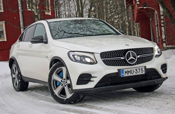 Mercedes GLC oli alkuvuoden myydyin ladattava hybridi Suomessa.