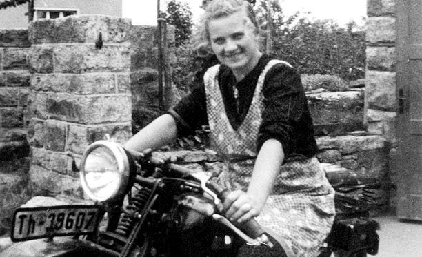 Erna Petri kuvattuna 1930-luvun lopulla.